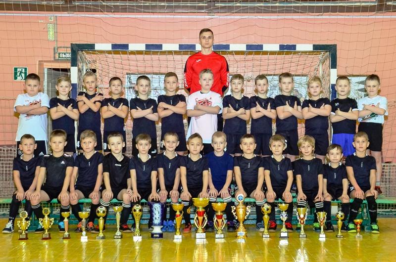 Команда 2013 г.р. тренер Мельников Максим Владимирович