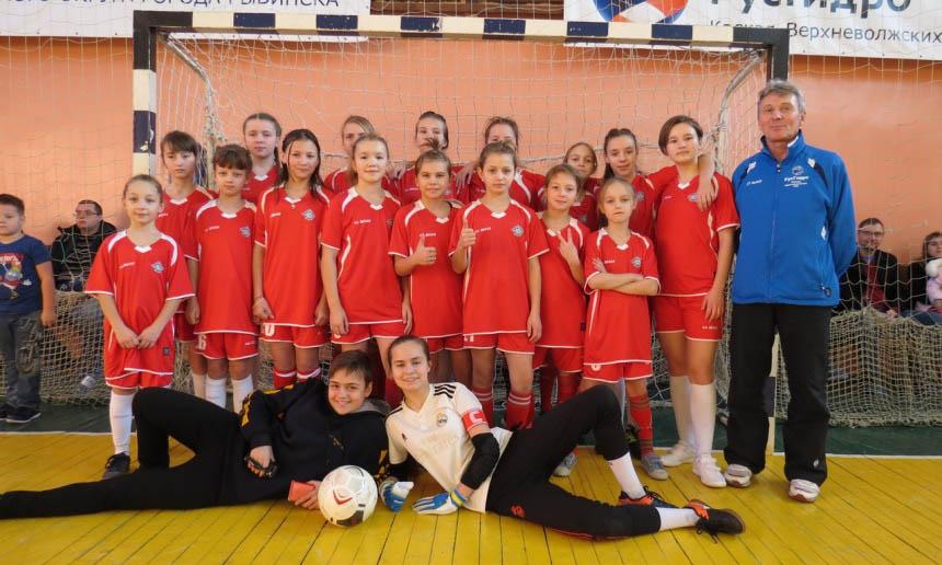 Команда девушек тренер Григорьев Владимир Викторович